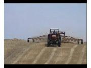 伊诺罗斯搂草机工作视频
