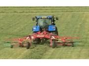 格兰搂草机作业视频