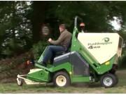 阿玛松自走式割草机作业视频