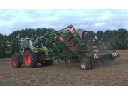 阿玛松Cayena大型免耕播种机作业视频
