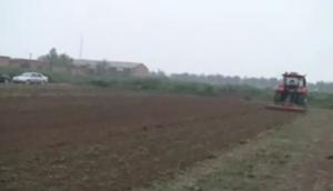 中農博遠1SZL-200深松整地機作業視頻