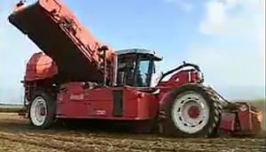 迪沃夫R3060马铃薯收获机作业视频