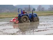 雷沃M704拖拉机作业视频