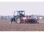 伊诺罗斯Maxi-6气吸式精量播种机作业视频