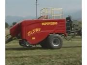 伊诺罗斯SP708高密度方捆机作业视频