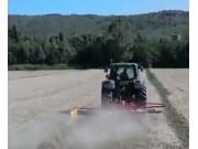 伊诺罗斯RR-450-Evo旋转式搂草机作业视频