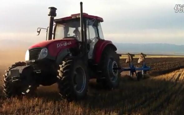 河北冀農農機翻轉犁作業視頻