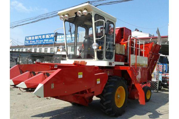 福田rg50收割机视频_福田雷沃CB03(4YZ-3H)玉米收割机_河北保定二手农机网_农机通